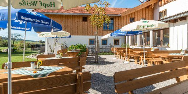 Hotel Pension Cafe Schweizerhaus Weyarn - Biergarten Sonnenterrasse
