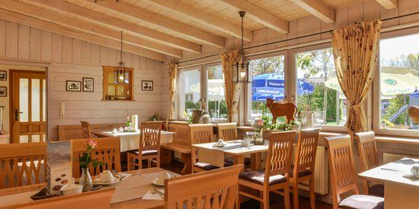 Hotel Pension Cafe Schweizerhaus Weyarn - Gastraum Schlossschwemm