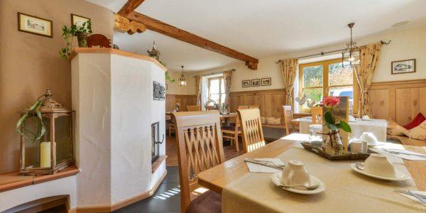 Hotel Pension Cafe Schweizerhaus Weyarn - Gastraum Schweizer Stube
