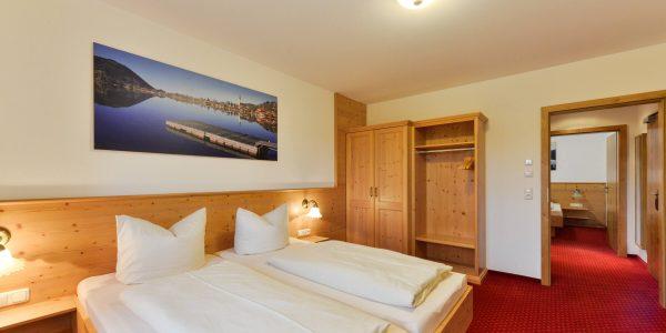 Hotel Pension Schweizerhaus Weyarn - Familienzimmer 11 Doppelzimmer