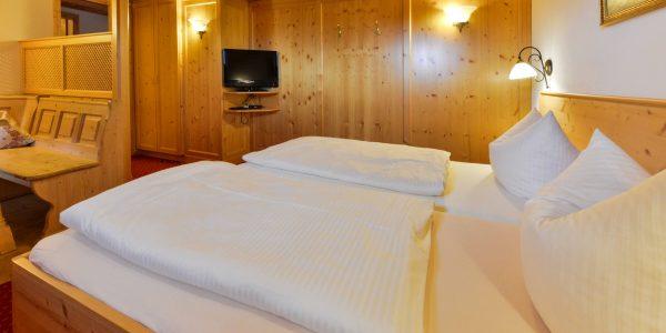 Hotel Pension Schweizerhaus Weyarn - Familienzimmer 7 Doppelzimmer