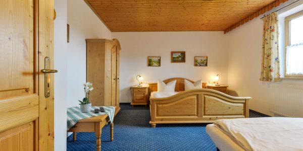 Hotel Pension Schweizerhaus Weyarn - Familienzimmer 9 Doppelzimmer