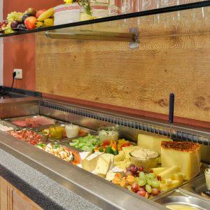 Hotel Pension Schweizerhaus Weyarn - Frühstück Buffet Kaese